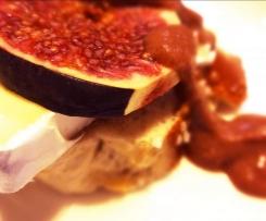 Feigen-Tallegio-Bruschetta mit Rote Feigen-Senf-Sauce Tessiner Art