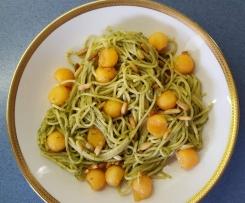 Pesto-Spaghettisalat mit Melone