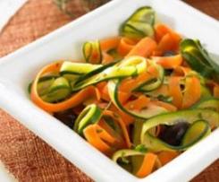 Möhren- und Zucchini-Tagliatelle /Carrot and courgette tagliatelle (Tagliatelle di carote e zucchine)
