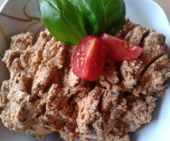 Mediterraner Brotaufstrich mit getr. Tomaten