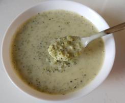 Brokkoli-Reis-Suppe mit Ziegenfrischkäse