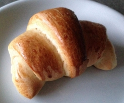 Softe Dinkel-Hörnchen - leicht mürbes Hefegebäck mit zartem Buttergeschmack  - Ideal zum Frühstück oder für die Vesperbox
