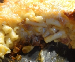 Maccaroni & Cheese mit Bolognese-Sauce - Hüftgold-Garantie