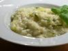 Grünes Risotto mit Zucchini und Basilikum