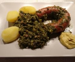 Grünkohl mit Kohlwurst und Kartoffeln