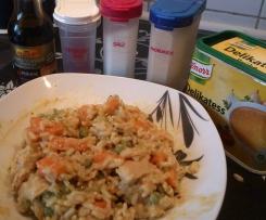 Reis auf Curry mit Gemüse und Pute
