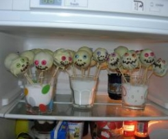 Gespenster - Cake - Pops aus den Finessen 5 / 2012
