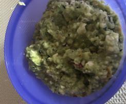 Avocado-Gurken-Zucchini Salat mit Tomaten und Schafskäse