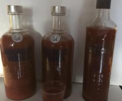 Mexikaner (scharfer Wodka-Tomaten-Schnaps)