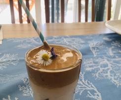 Dalgona Coffee  (Instant-Kaffee-Schaum)