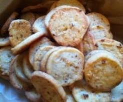 Käseplätzchen mit Röstzwiebeln