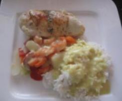 Hähnchenbrustfilet überb. m. Reis,Gemüse und Curry-Käsesauce