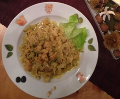 Lachs & Krabben in Mango-Dill Sauce mit Thymian-Bandnudeln