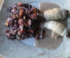 Bunter Reis mit Hähnchenröllchen - all in one