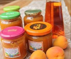 Aprikosenmarmelade mit Schuss
