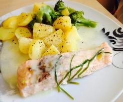 Variation von Lachsfilet mit Brokkoli, Kartoffeln und Dillsauce