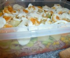 Schichtsalat mit Schmand-Dressing