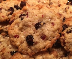 Yummie! American Cranberry Macadamia Cookies