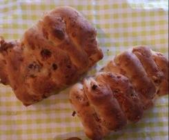 Speck-Käse-Röstzwiebel Brot zum Grillen