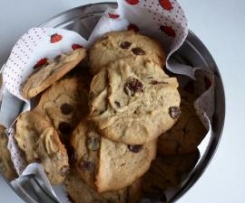 Weiche Schoko-Erdnuss-Cookies nach Jo Wheatley