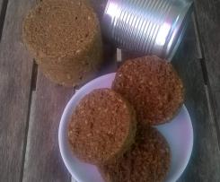 Variation von Pumpernickelbrot: Varomarund - gedämpftes Brot aus der Dose