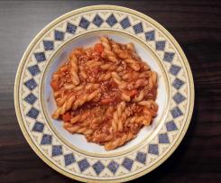 Nudeln mit Bolognese-Soße