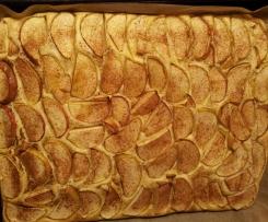 Leichter, luftiger Tassen Apfelkuchen vom Blech