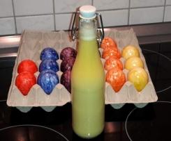 Eierlikör mit Likör 43 und gekochten Eiern