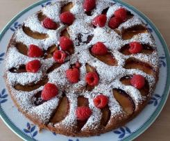 Nektarinen-Nuss Kuchen mit Himbeeren