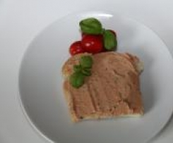 Variation von Tomaten-Basilikum-Frischkäse