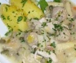 Hühnerragout vom Suppenhuhn mit Kartoffeln