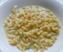 Nudeln mit Käse Soße