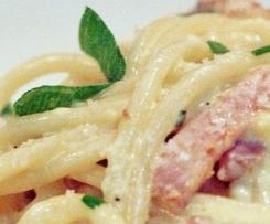 Spaghetti Carbonara mit gek. Schinken