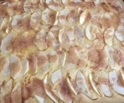Variation von Apfelpfannkuchen vom Blech