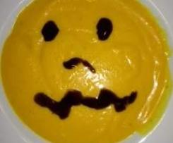Halloween:KürbisSuppe cremig mit Cocos, Ingwer & Möhren