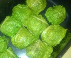 Mangoldpäckchen gefüllt mit mediteranem Hackfleisch