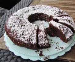 Schoko-Kirsch-Kuchen (geht natürlich auch mit Birnen etc.) ;-)