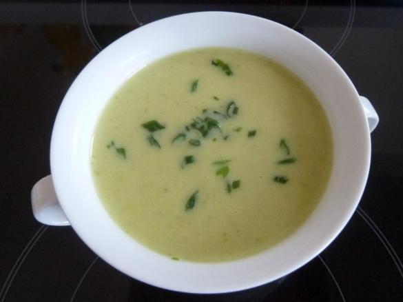 Kartoffel-Lauch-Suppe von mkraus. Ein Thermomix ® Rezept aus der ...