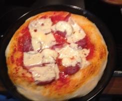 Pizzateig, knusprig