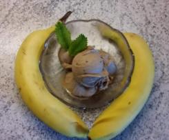 Bananeneis mit Nuss-Nougat-Creme