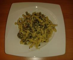 Weißweinsoße mit Spinat & Thunfisch