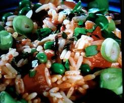 Reissalat mit Paprikadressing und Feta