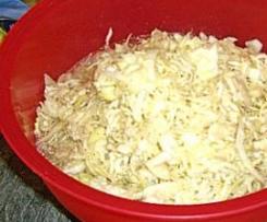 Variation von Krautsalat wie beim Griechen