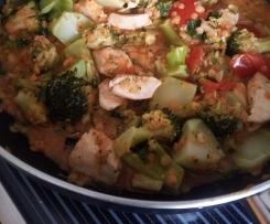 Hähnchencurry mit Linsen und Brokkoli auf Reis
