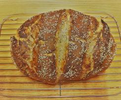 Herzhaft knuspriges Brot mit Gewürzen und Körnern