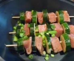 Lachs-Zucchini-Spießchen mit Senf-Hollandaise