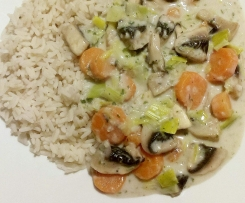 Gemüsefrikassee mit Reis - All-in-one