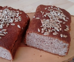 Low Carb Chia-Quark-Brot