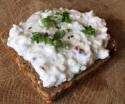 Radieschen-Käse-Quark