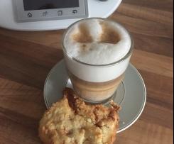 Macadamia Karamell Cookie mit weißer Schokolade